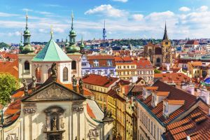 Using a Eurolines 30 day pass, I travelled to Prague this summer and spent 3 days wandering around the often underrated cobbled streets and old town, as well as indulging in the many treats the restaurants of Czech Republic had to offer.