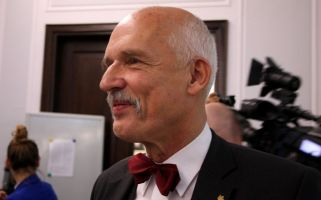 Janusz Korwin-Mikke said that women are less intelligent than men.