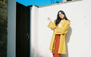 'Could You Stay' further cements Argentinean-UK artist Malena Zavala's mark on the indie rock scene with her uniquely psychedelic and bossa nova undertones.