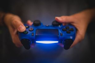 A West London hospital will be the first to offer treatment for extreme gaming disorders.