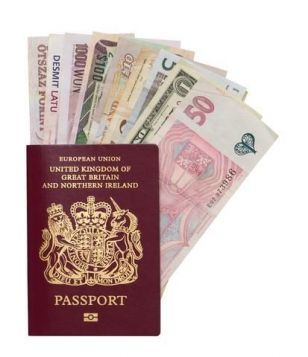 One in ten Brits still wait to the very last minute to exchange their travel money.