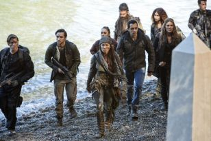 High tensions changes several dynamics in this weeks episode of The 100.