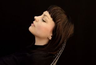 Angel Olsen completed her metamorphosis into a classic artist in Nottingham.