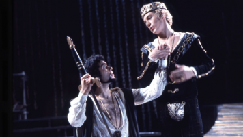 Ian McKellen's Edward II displays a masterclass performance, even if it is hampered by Marlowe's less than impressive script.