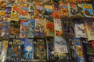 Overwhelmed by the Discworld novels? Never fear, the National Student is here to help!