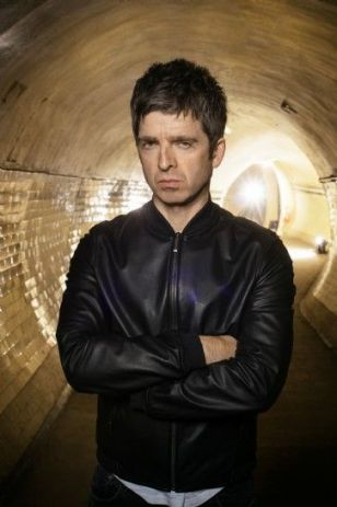 Bringing together fans of old and new, Noel delivered a mix of Oasis classics and his more recent material.