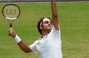 The Swiss legend takes his first step to a ninth Wimbledon title.
