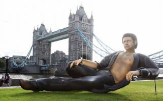 The recreation of one of the internet's funniest memes has become a brilliant addition to the London skyline.