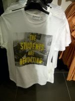 This weekend Highstreet fashion store Topshop – targeted by students and UK Uncut earlier this after accusations of tax avoidance – brings out a new slogan T-shirt. What does it say? The Students are Revolting.