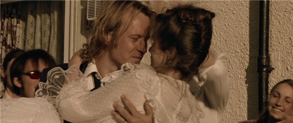 Breaking the Waves BD